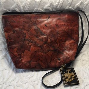 NWT CL Whiting Hand Tooled Leather Zipper Bag